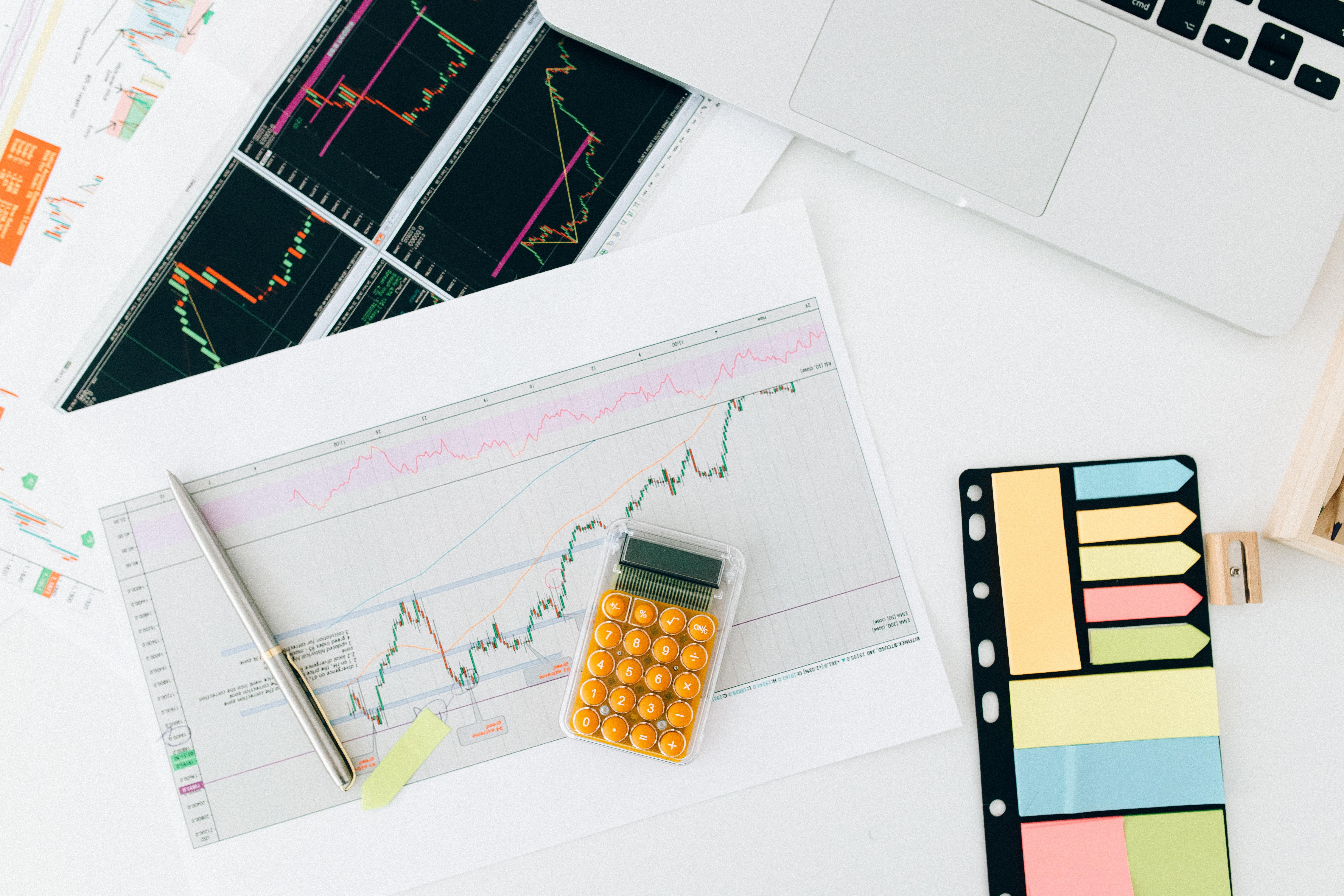 Titelbild der Studie Banking Trends 2021