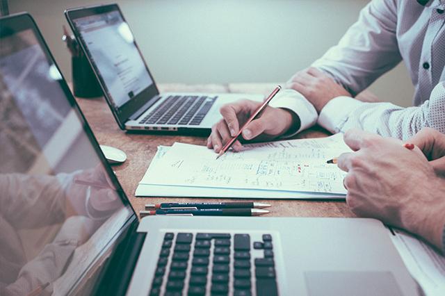 Titelbild der Studie Bedarfsgerechte  Zusatzleistungen  im Retail Banking